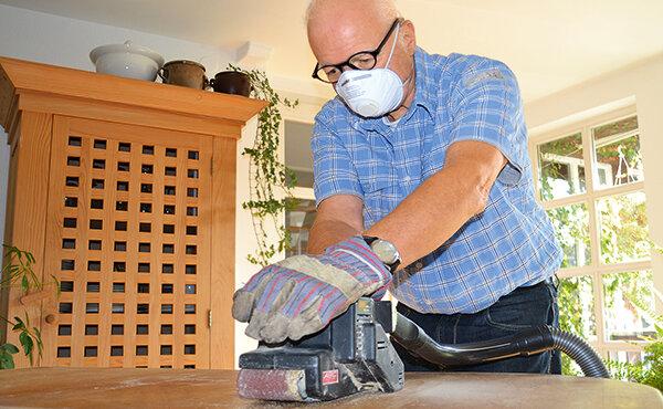 arbeitsschutz wie sich heimwerker beim s gen und schleifen sch tzen meldung stiftung warentest. Black Bedroom Furniture Sets. Home Design Ideas