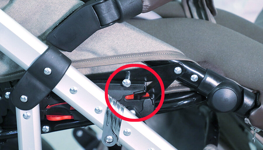 kinderwagen verletzungsgefahr bei kombi kinderwagen von. Black Bedroom Furniture Sets. Home Design Ideas