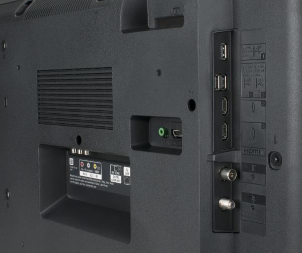 Sony KD-55XE7005 Anschlüsse