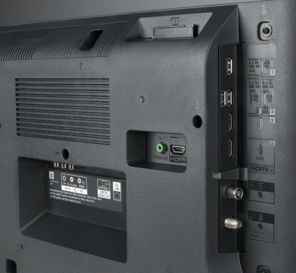 Sony KD-43XE7005 Anschlüsse