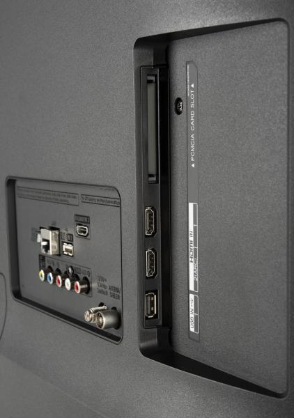LG 50UK6300 Anschlüsse