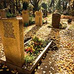 Grabpflege: Wer sich kümmert, wenn sich niemand kümmern kann